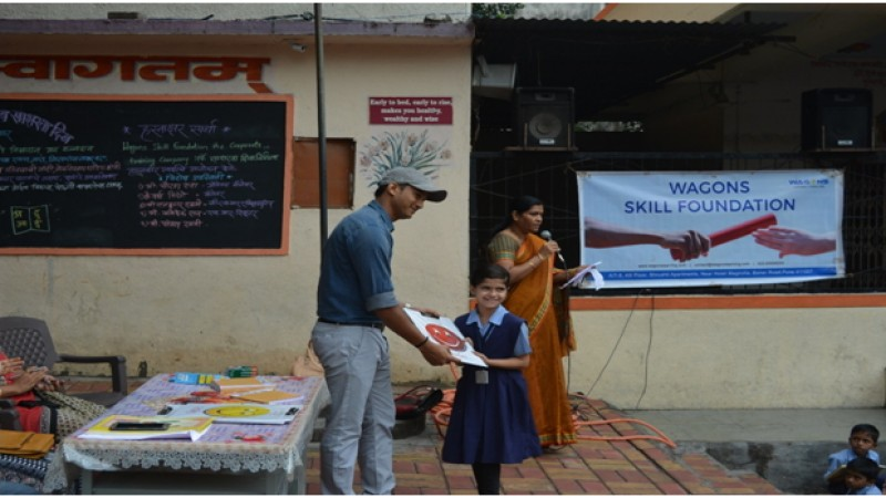 Prize distribution from Wagons Skill Foundation by CSR member