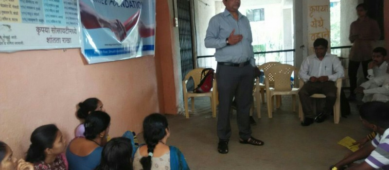 Trainer Mr. Kunal Chakravarti conducting a lecture and introduce what is skill development training and its importance