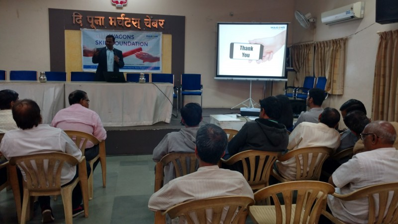 Introducing the participants to the concept of Cashless Society